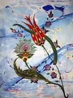 Ebru sanatıyla yapılmış süslü bir lale çiçeği