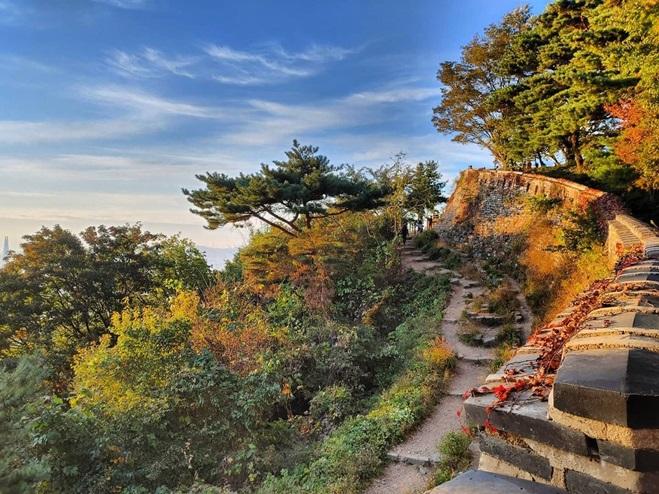 ป้อมปราการนัมฮันซันซ็อง (Namhansanseong Fortress: 남한산성)