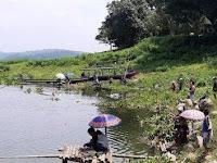 Cegah Covid-19, Ratusan Pemancing Ikan Waduk Jatiluhur Dibubarkan Polisi