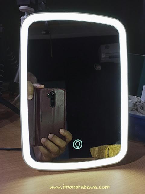 Cermin Xiaomi Lampunya Nyala