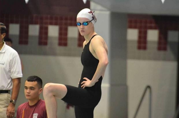 Nadadora peruana Mckenna DeBever impone marca en Estados Unidos