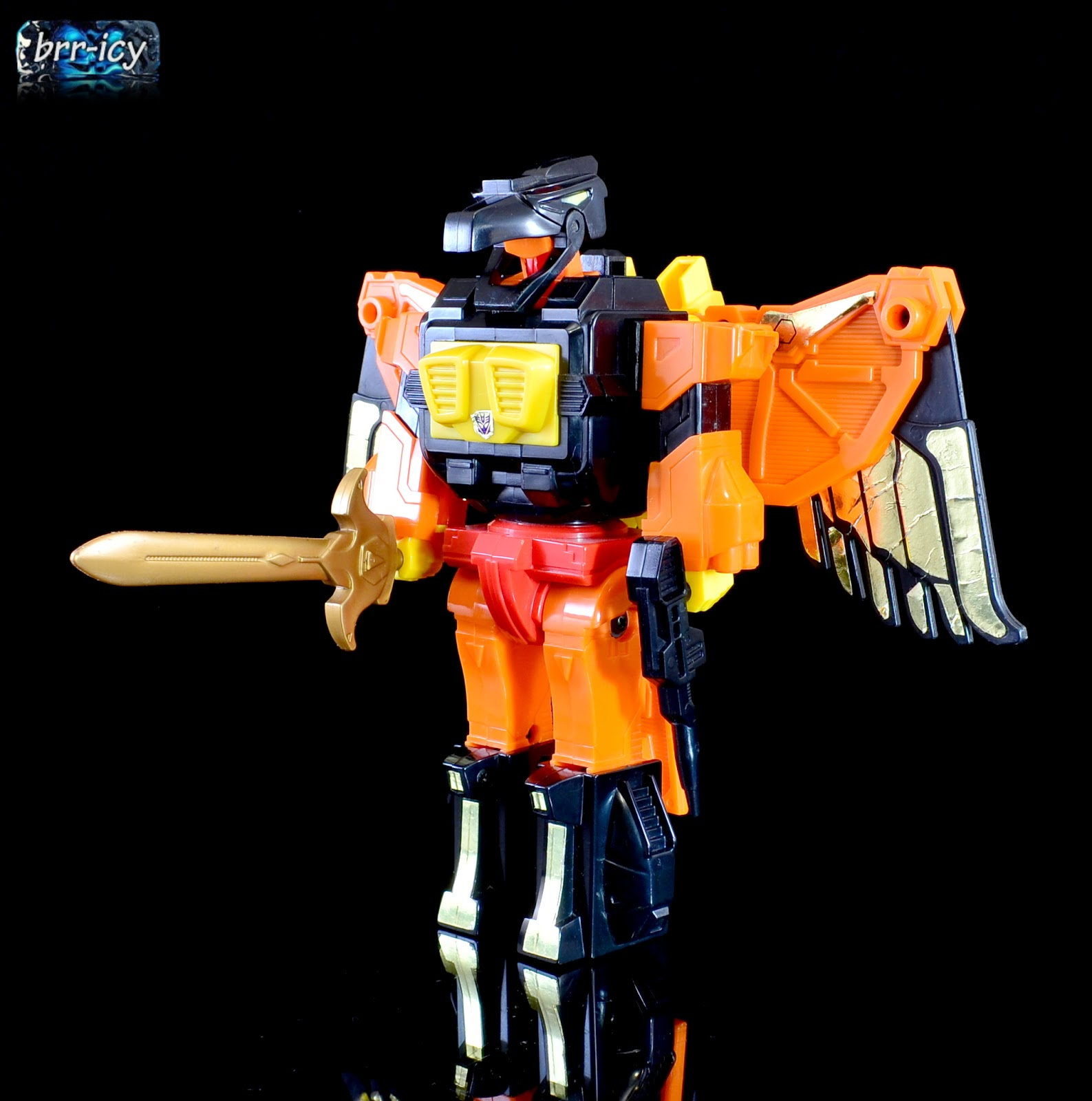 Brr-icy's Transformers Reviews: Predacons and Predaking