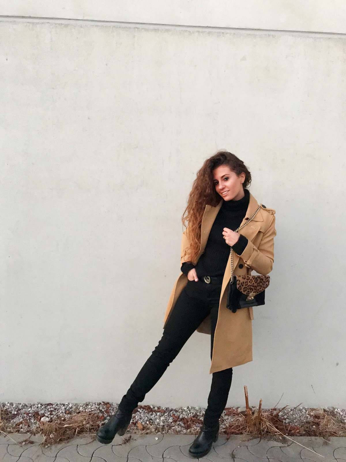 facts you didn't know about trench coats trench coat outfit, trench coat outfit fashion blogger,  fashion need Valentina Rago, fashion need blog, fashion blog Italia, fashion blog Germany, fashion blog munchen