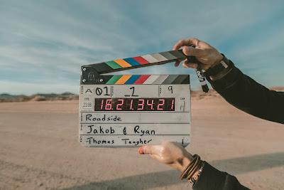 Bollywood Film Director बनने के लिए आपके पास क्या खूबियां होनी चाहिए
