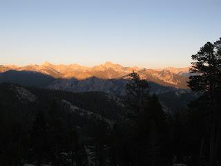 Sonnenuntergang oberhalb des Kings Canyon