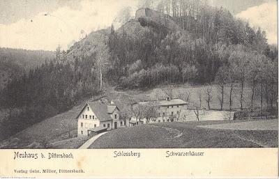 Wałbrzych, zabudowa przy ul. Nowy Dom na tle Zamkowej Góry (1900 r.)
