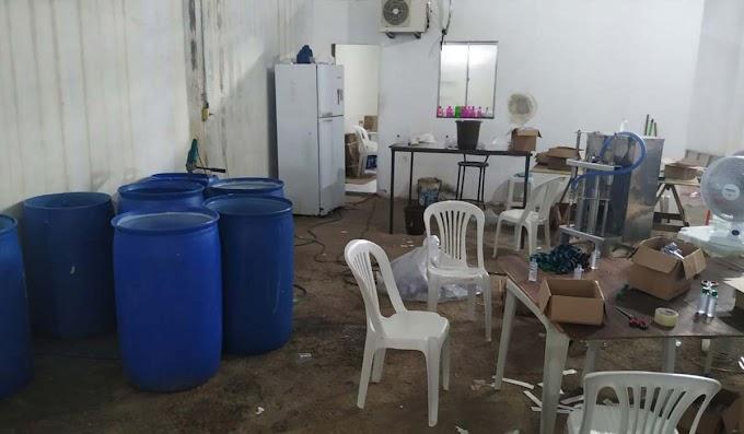 Polícia descobre fábrica clandestina de álcool em gel falso na Bahia