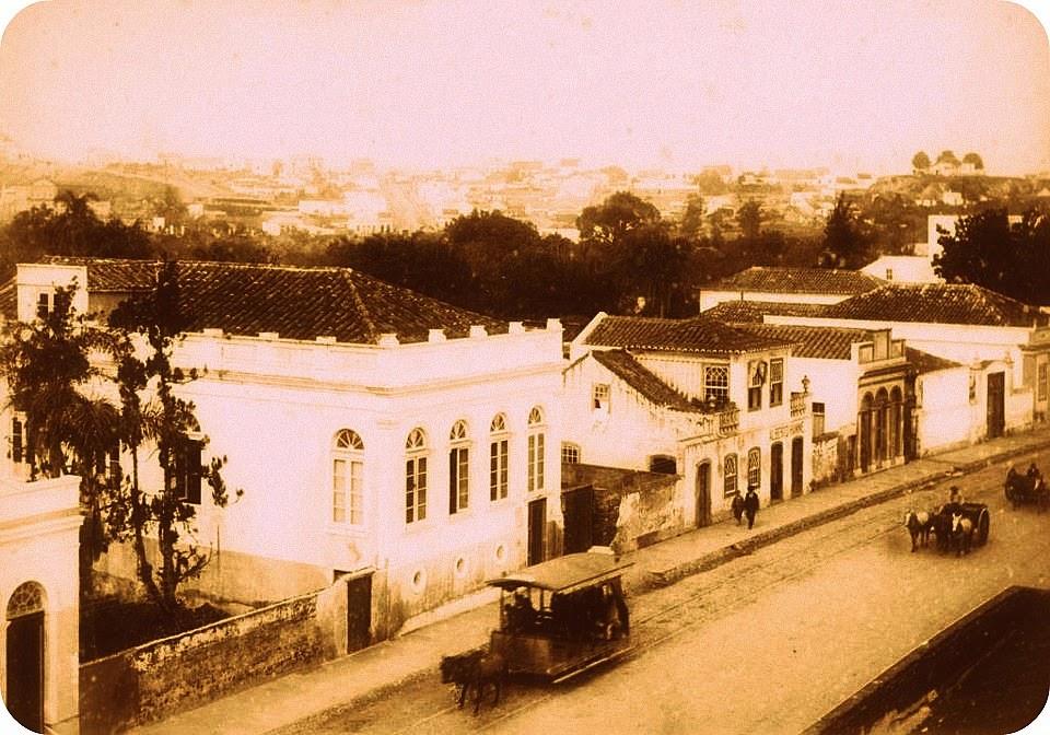Avenida Independência e o bairro Moinhos de Vento (em segundo plano), em 1890, em Porto Alegre.