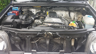 Suzuki Jimny engine compartment