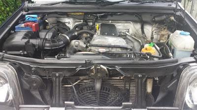 Suzuki Jimny engine compartment