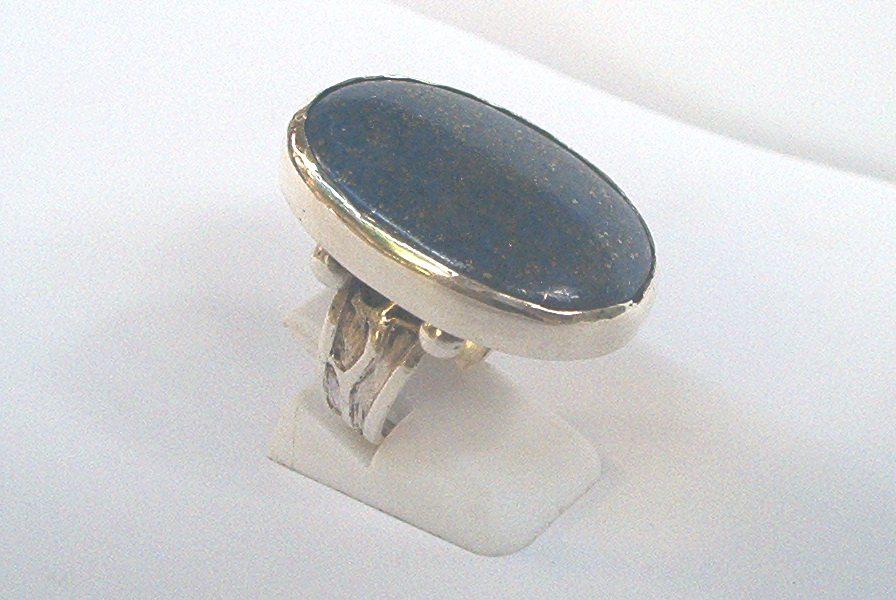 51d37a5753c Diseño de joyas, esculturas en metal: Anillo de plata con ...