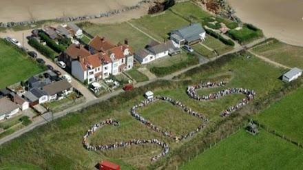 Η διάβρωση πλήττει βίαια τις βραχώδεις ακτές της Βρετανίας