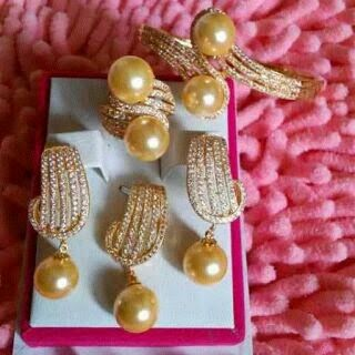 PERHIASAN dengan MUTIARA dari LOMBOK: Set Perhiasan ...