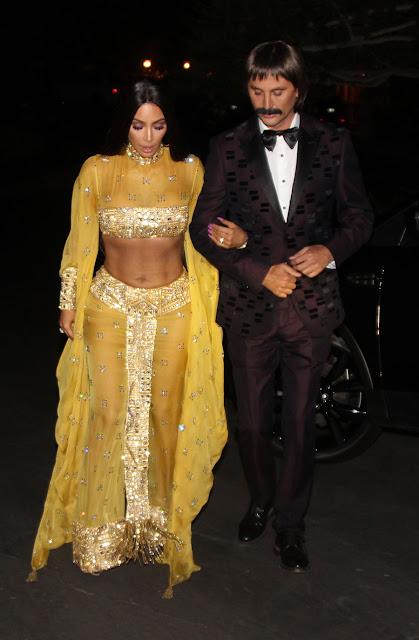 Kim Kardashian disfra< de Cheer