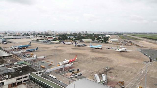 Nhân viên sân bay 'cất nhầm' điện thoại iPhone X của khách ngoại quốc