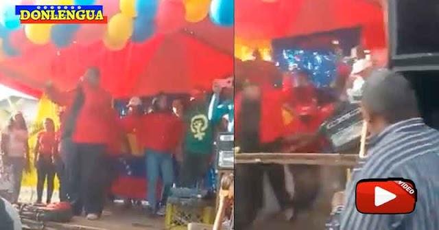Candidato Chaburro en Portuguesa se cayó de una tarima junto a toda su comitiva