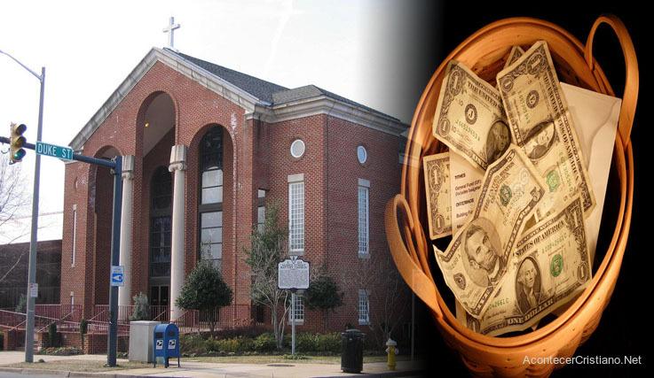 Iglesia dona diezmos para necesitados