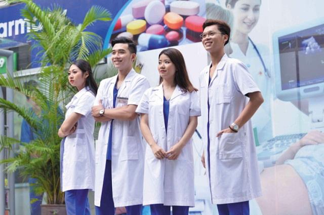 Đồng phục y tế là loại đồng phục quen thuộc, phổ biến trong cuộc sống