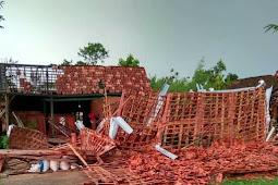 Puting Beliung, 17 Rumah di Kecamatan Gabus Roboh