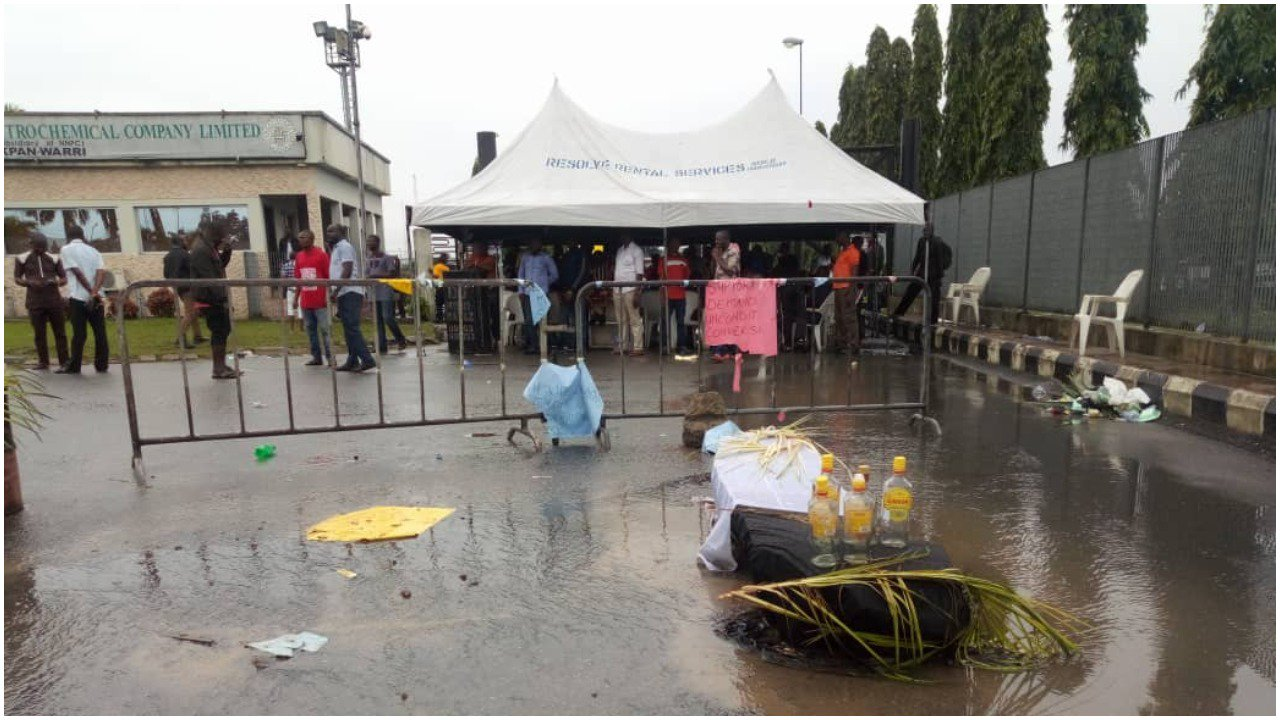 NNPC Workers Place Coffin At Refinery as Protest Enters Third Day In Warri