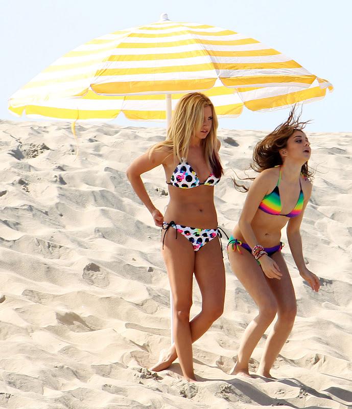 beach-bikini-pool-sara-free-retro-hairy-small-tits-movies