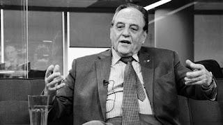 """El diputado nacional Carlos Heller presentó su renuncia a la bancada FpV-PJ de la que formaba parte con su monobloque Solidario SI. El dato es llamativo, a pesar de que fuentes de ese espacio le aseguraron a Infobae que la decisión tiene """"una motivación administrativa, no política""""."""