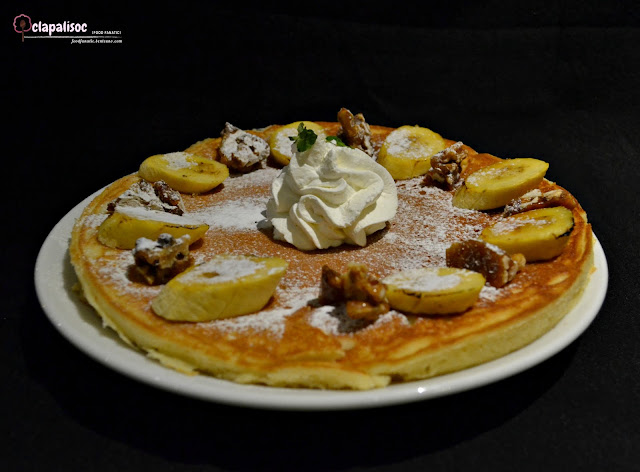 Sugar Factory Gigantic Buttermilk Banana Walnut Pancake from Sugar Factory