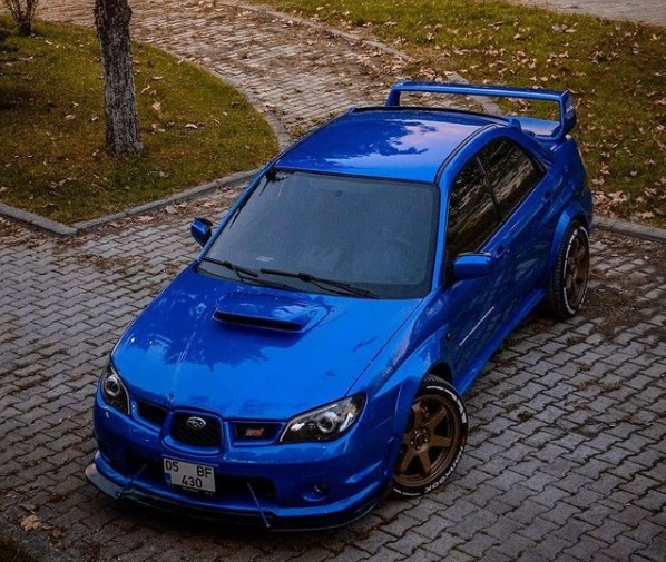 "Mobil Subaru ""Impreza"""