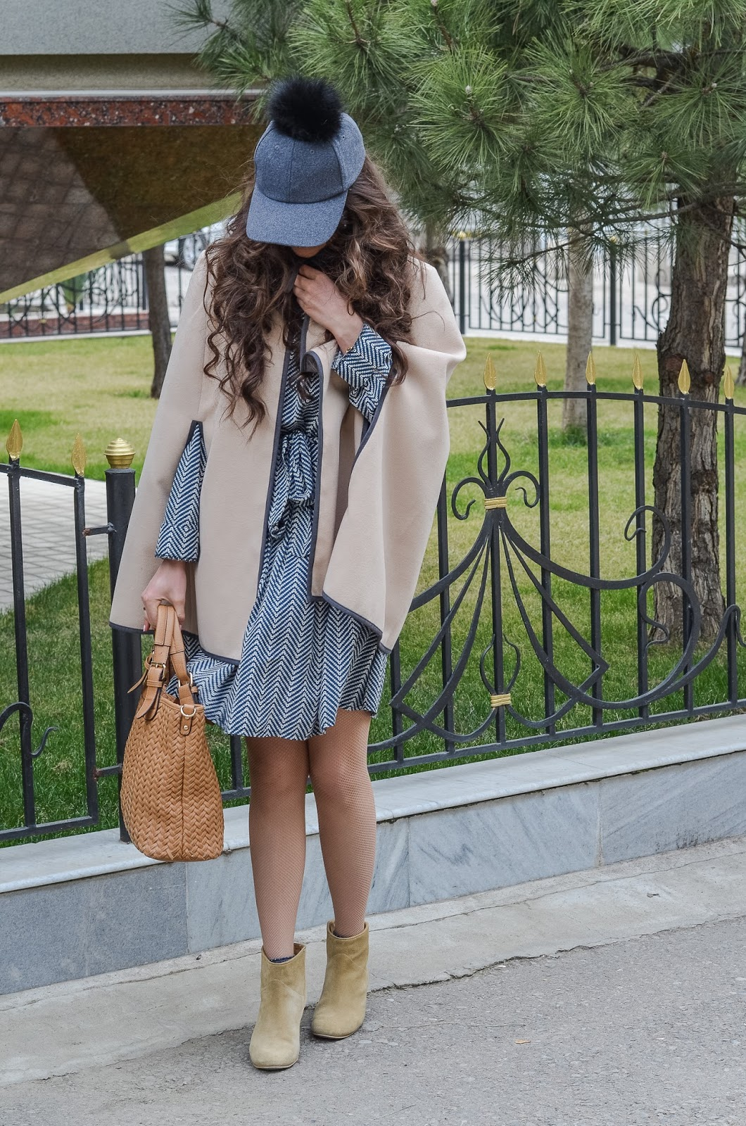 fashion blogger diyorasnotes diyora beta shift dress cape asos boots cap with pompon