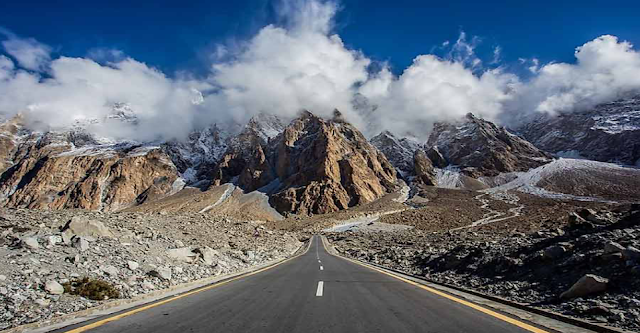 What is the height of the Karakoram highway?