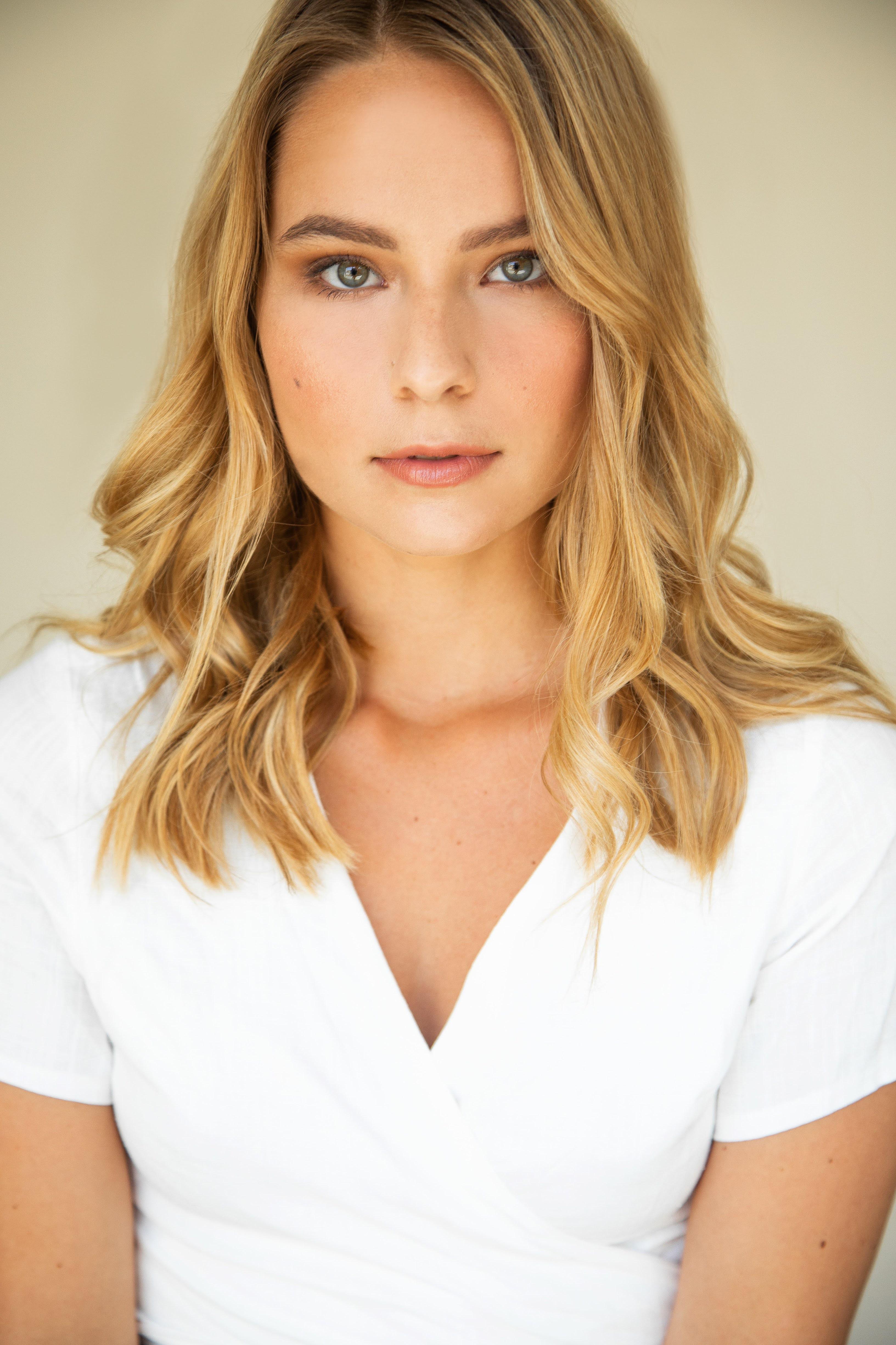 Annika Foster