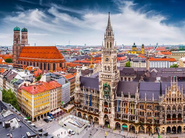 """اتهامات لدولة قطر عن تمويل """"جماعات دينية"""" في المانيا"""