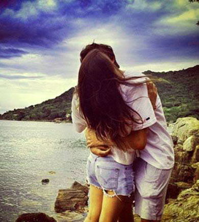 download romantic kissing images for whatsapp dp