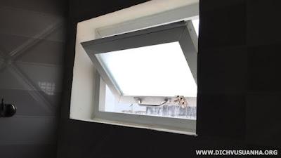 Đục tường lắp cửa sổ bật