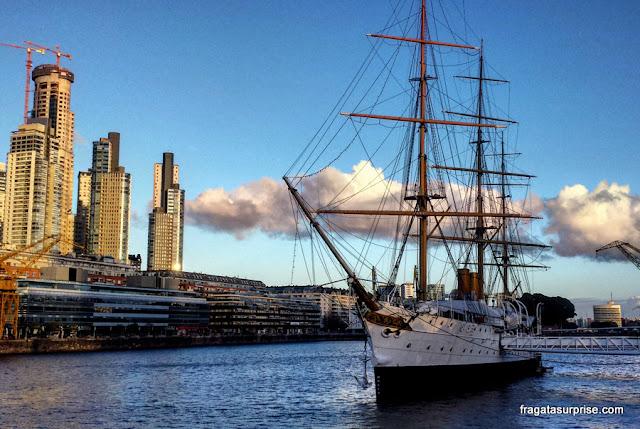Corveta Uruguay, barco museu ancorado em Puerto Madero, Buenos Aires