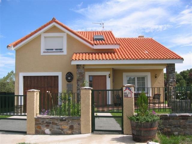 Dise os fachadas de casas distintos modelos for Diseno de exteriores de casas pequenas