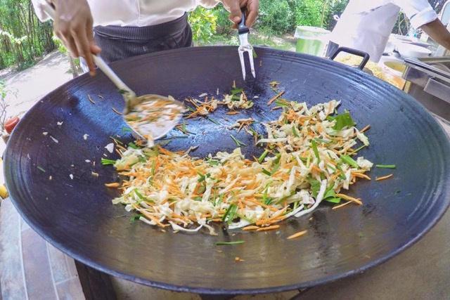 Noodles fritos en Ile des Deux Cocos