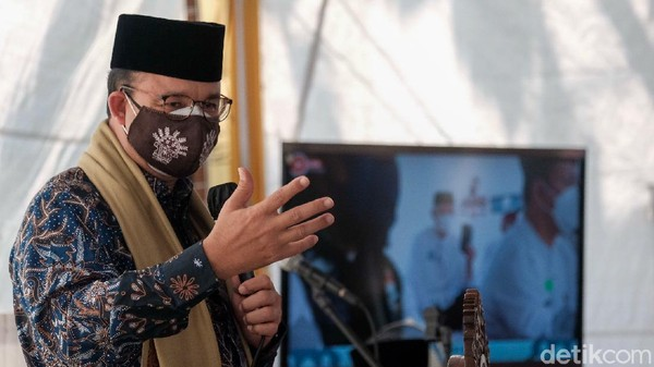 Gibran Memuji soal Vaksinasi di DKI, Anies Balas Beri Sanjungan