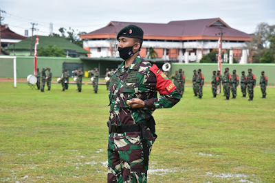 Pangdam VI/Mulawarman Memimpin Upacara Penerimaan Satgas Pamtas RI-Malaysia Yonif Raider 200/Bhakti Negara