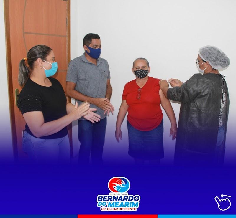 Começa a vacinação contra a Covid-19 dos profissionais da educação em Bernardo do Mearim.