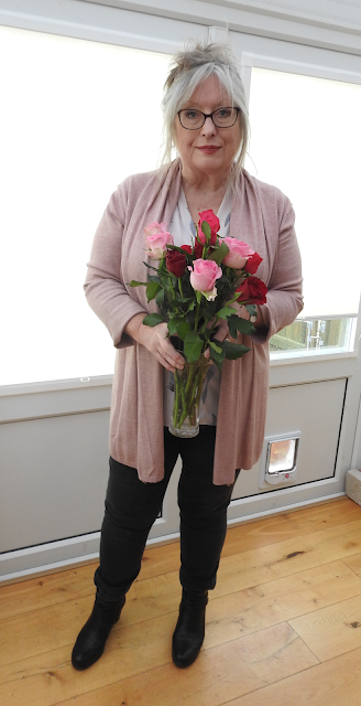 Pouting-Pensioner-Valentine's-roses-dusty-pink-cardi-over-60s-styling
