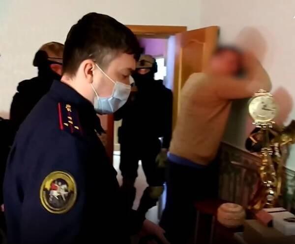 Брянский депутат нанял 19-летнюю сутенершу, чтобы переспать с 13-летним ребенком
