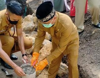 Wawali Kota Bima Letakkan Batu Pertama Pembangunan Musholla Al Hidayah Rabangodu Selatan