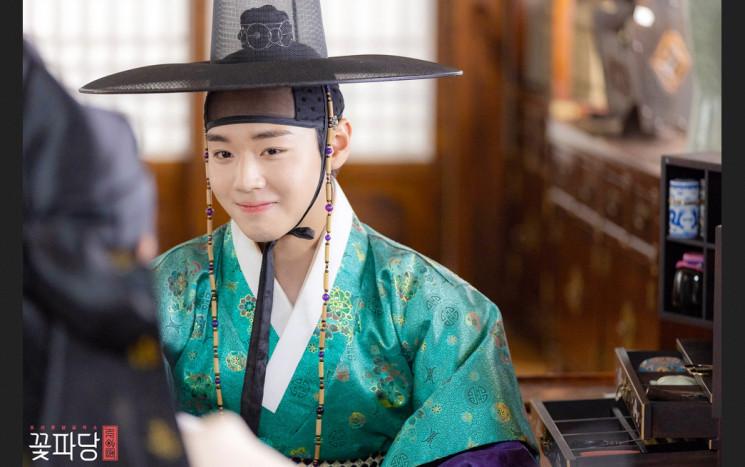 'Flower Crew: Joseon Marriage Agency' Airs The Final Episode, Park Jihoon's Acting Flood Praise