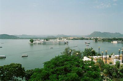 पिछोला झील उदयपुर  Pichola Jheel Udaipur Rajasthan