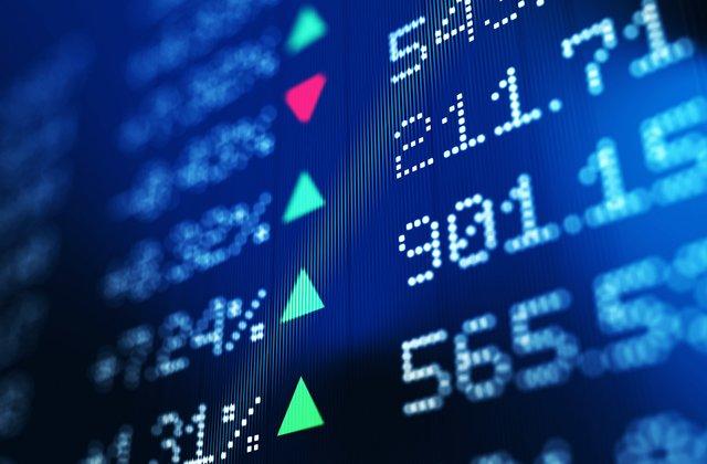 Las acciones abren modestamente al alza en la ligera operación del Black Friday