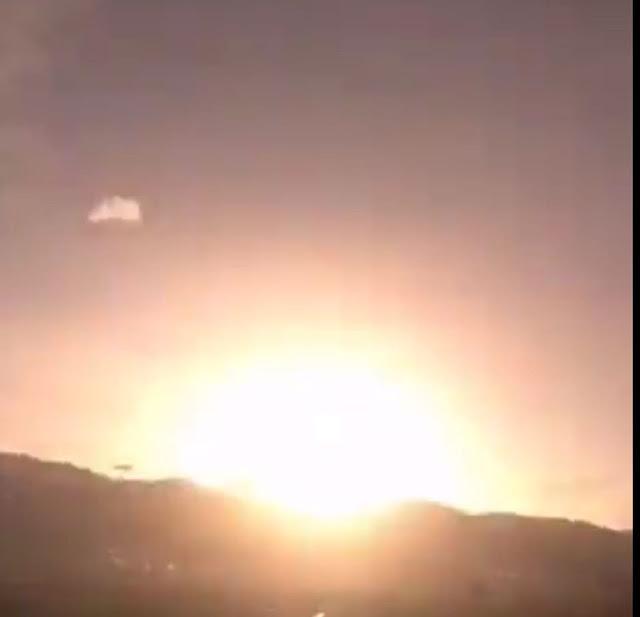 VIDEOS   Enorme meteorito convierte la noche en día con una violenta explosión en Turquía