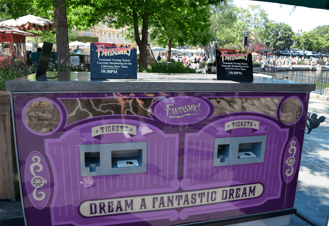 FastPass Fantasmic Disneyland