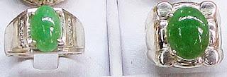 jade cabochon ring