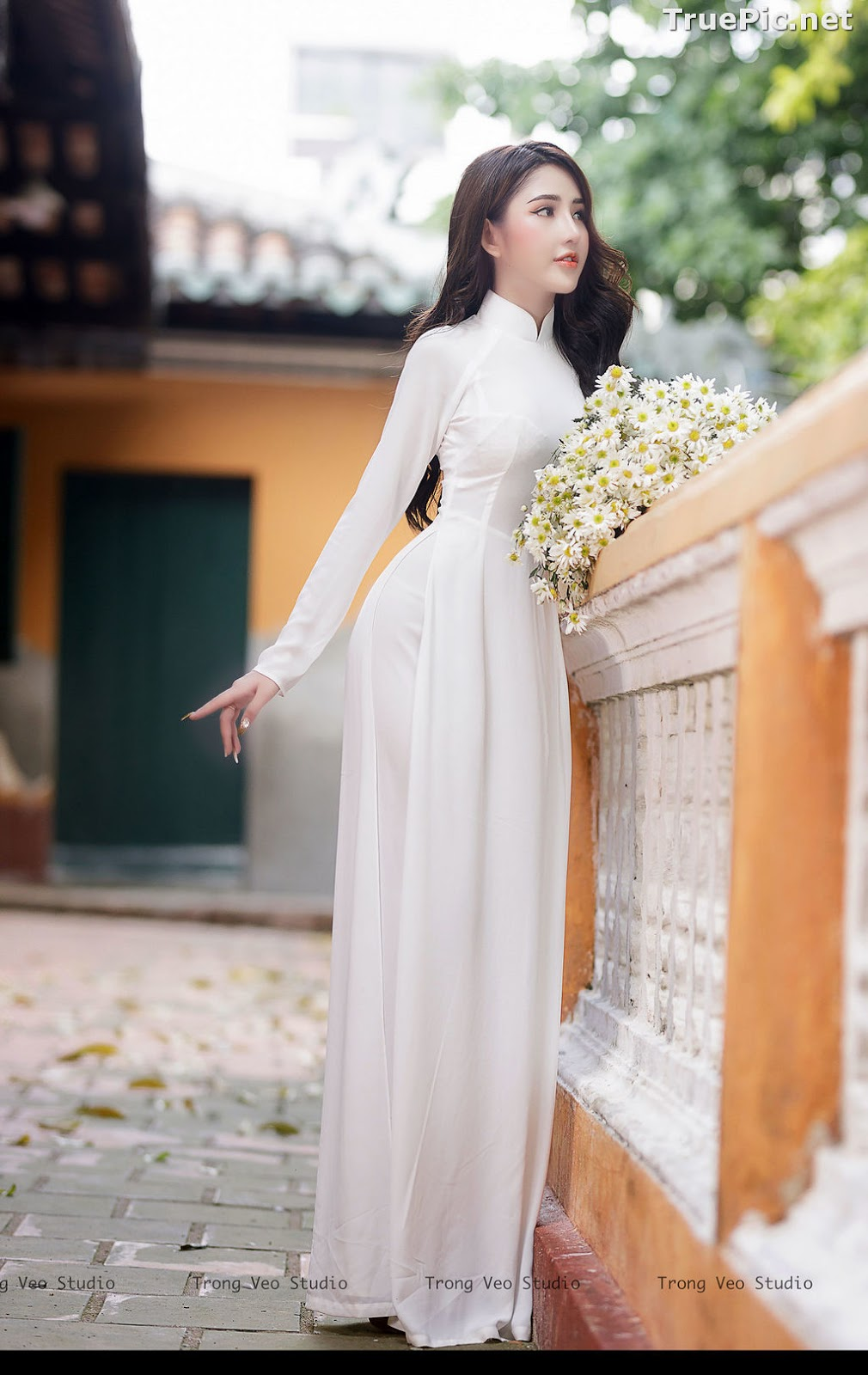 Image The Beauty of Vietnamese Girls with Traditional Dress (Ao Dai) #3 - TruePic.net - Picture-10